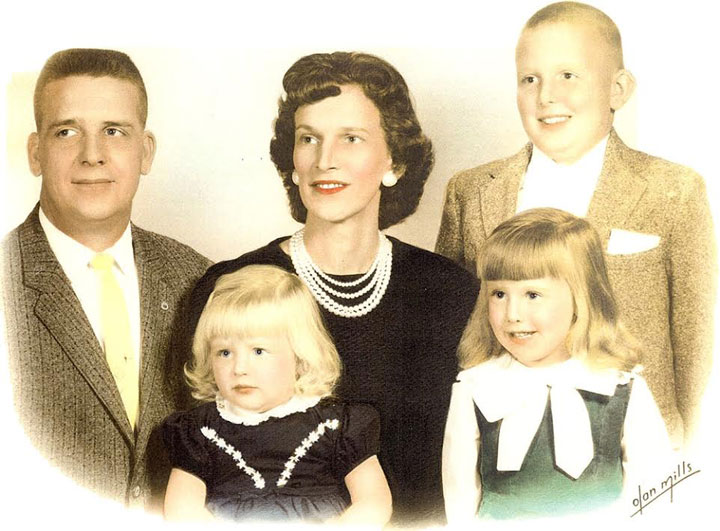 Image of poet Roy Bentley with parents and sisters in Eastern Kentucky