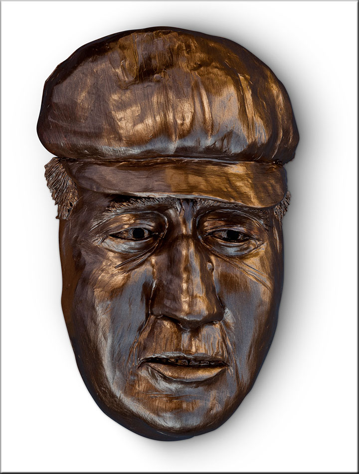 Image of Lennie from Of Mice and Men, sculpture by Lew Aytes