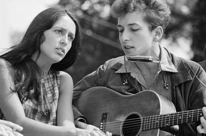 Image of Joan Baez and Bob Dylan