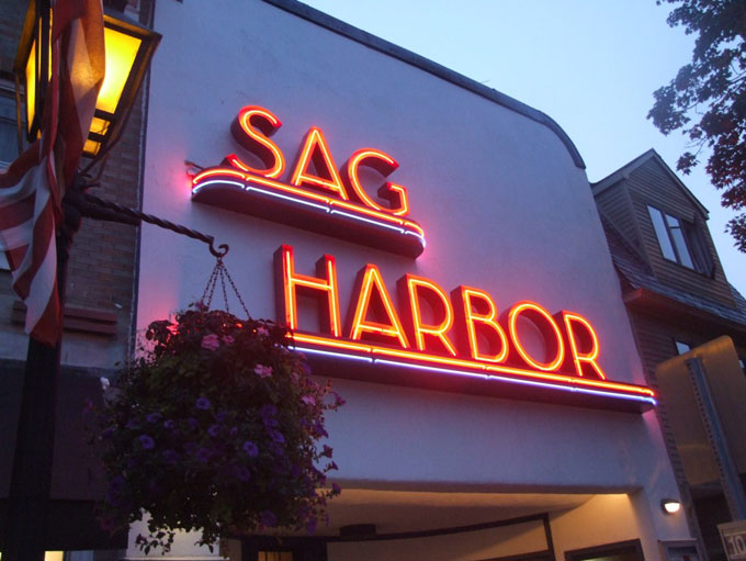 Image of Sag Harbor sign