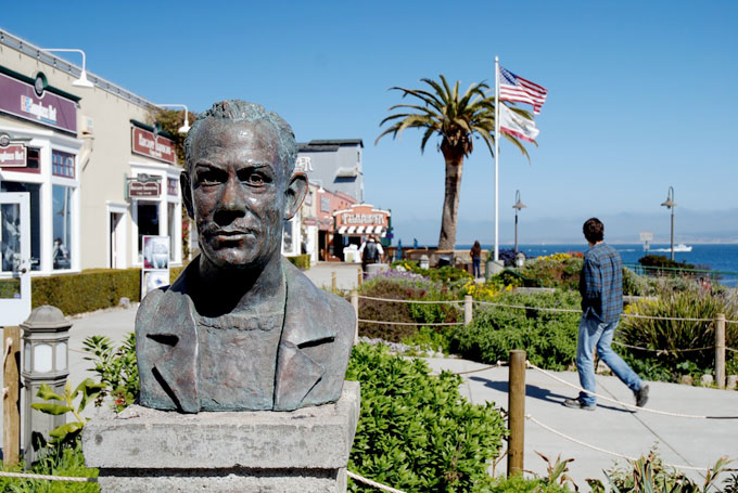 Image of John Steinbeck sculpture in Monterey